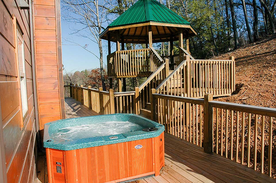 Relax in a hot tub or grill on the deck/gazebo.
