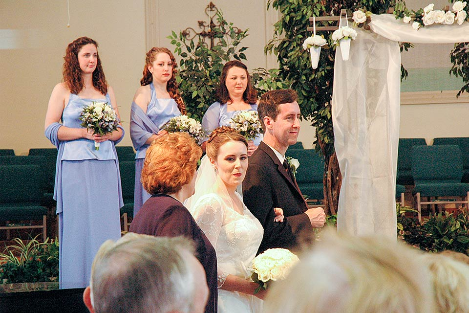 Weddings in a church in the Smoky Mountains