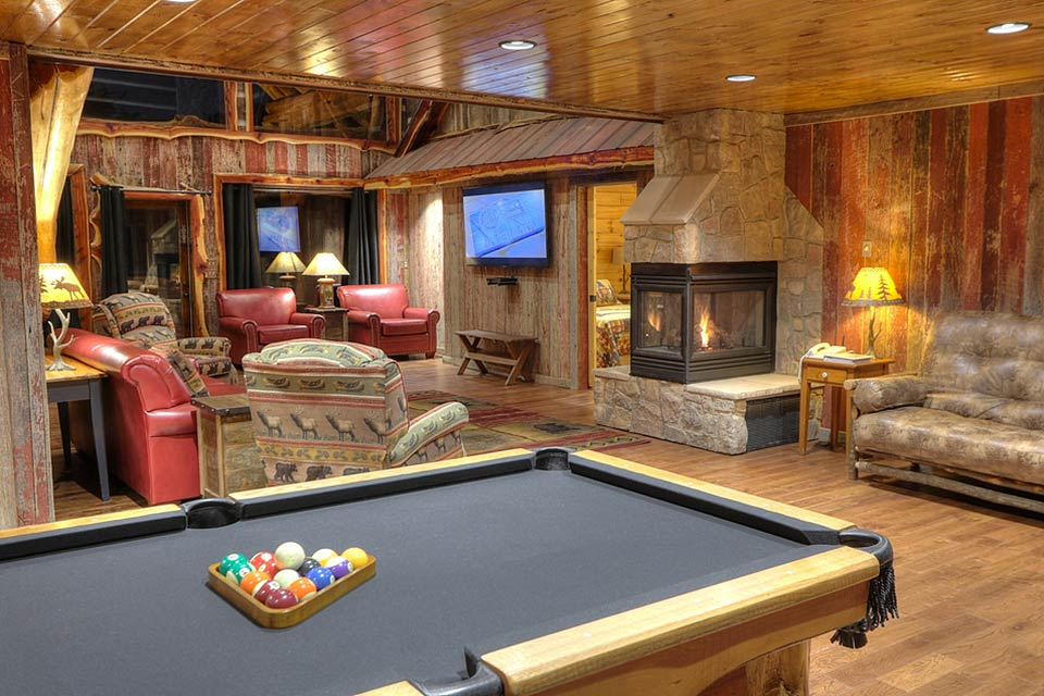 Game room at Oak Haven Resorts in Sevierville, TN